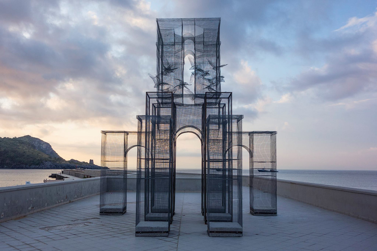edoardo-tresoldi-new-installation-in-marina-di-camerota-03