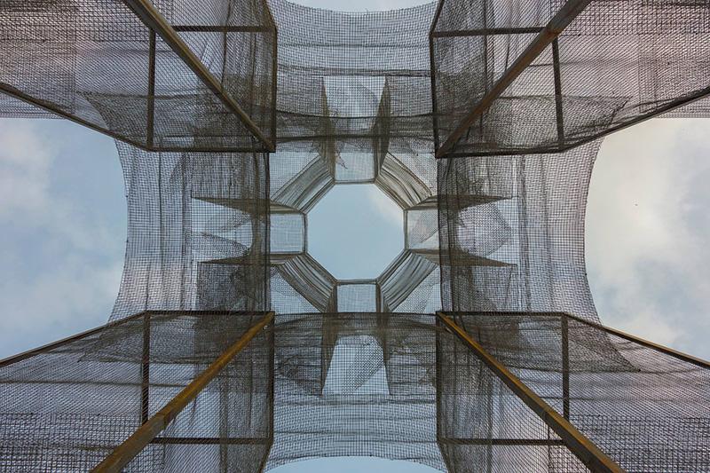 edoardo-tresoldi-new-installation-in-marina-di-camerota-07