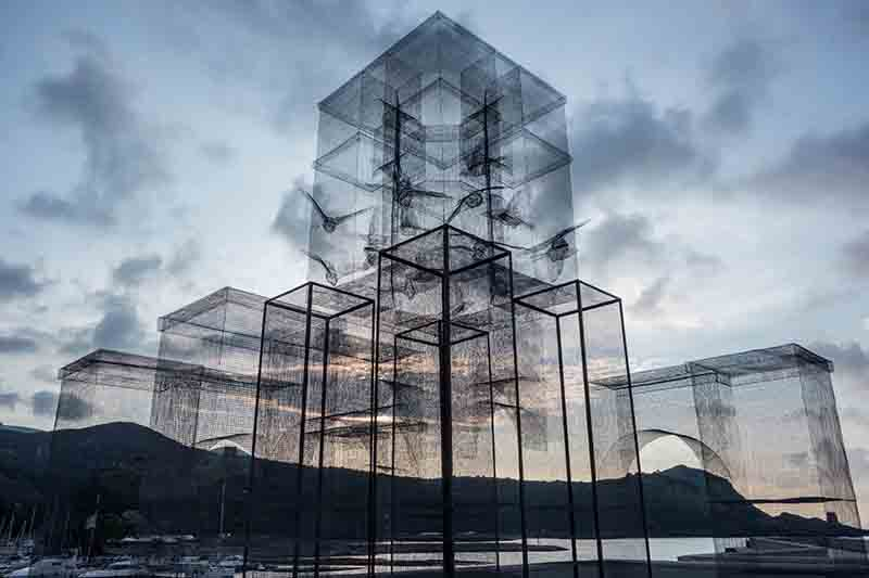 edoardo-tresoldi-new-installation-in-marina-di-camerota-08