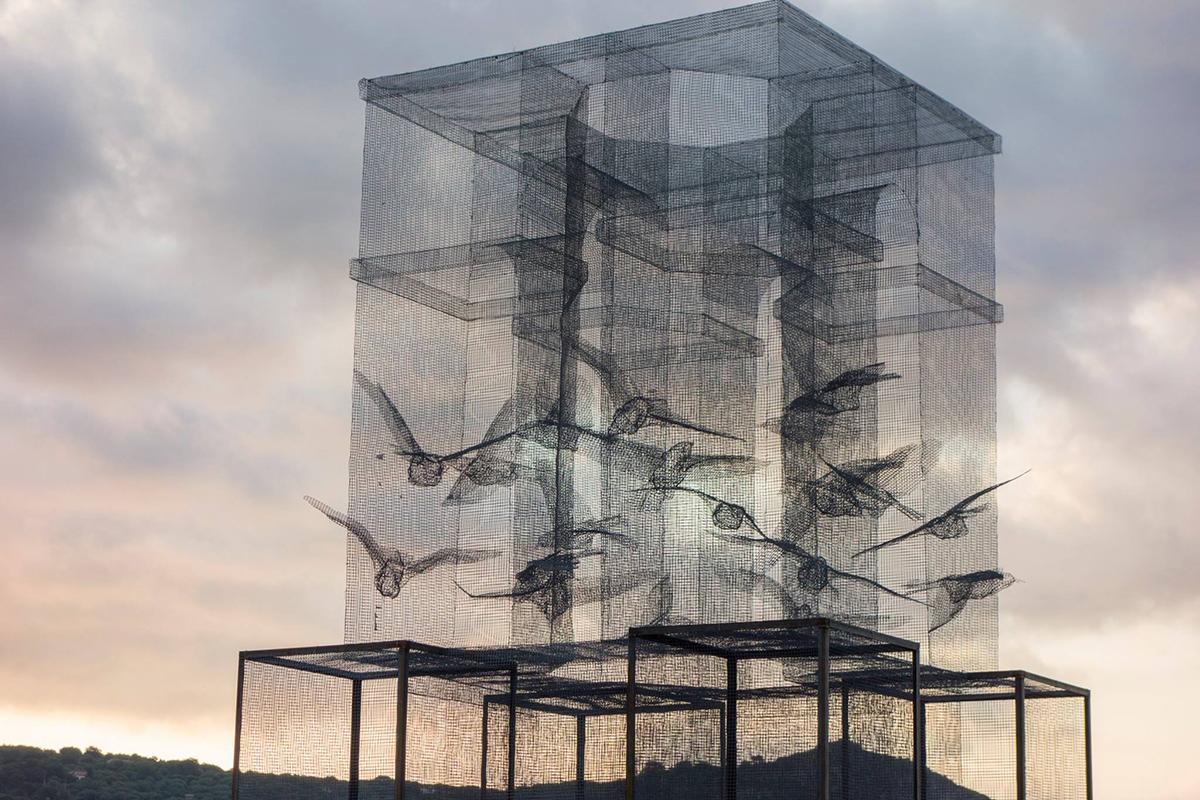 edoardo-tresoldi-new-installation-in-marina-di-camerota-09