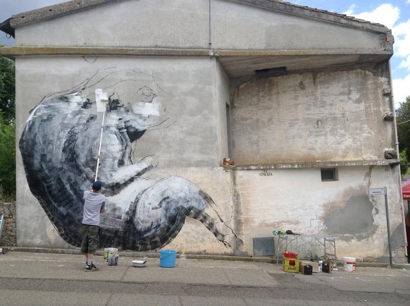 roa-new-mural-in-sadali-sardinia-00