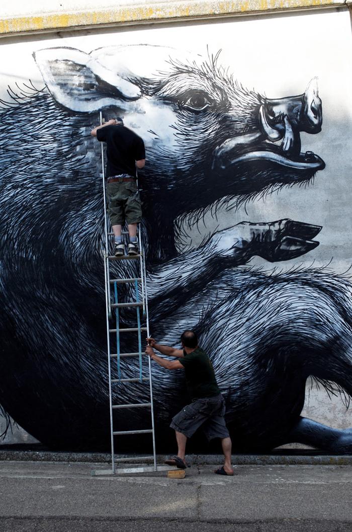 roa-new-mural-in-sadali-sardinia-02