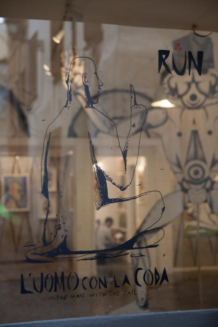 run-luomo-con-la-coda-at-galleria-varsi-recap-22