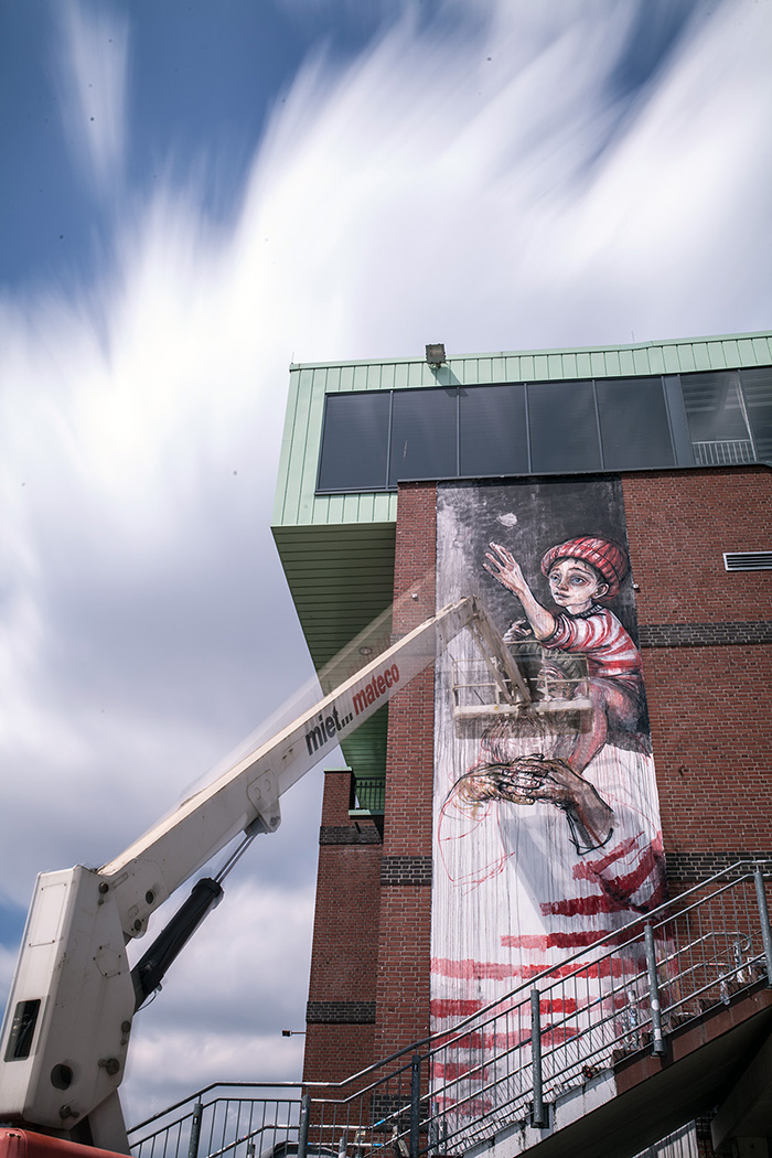 herakut-new-mural-in-sankt-pauli-12