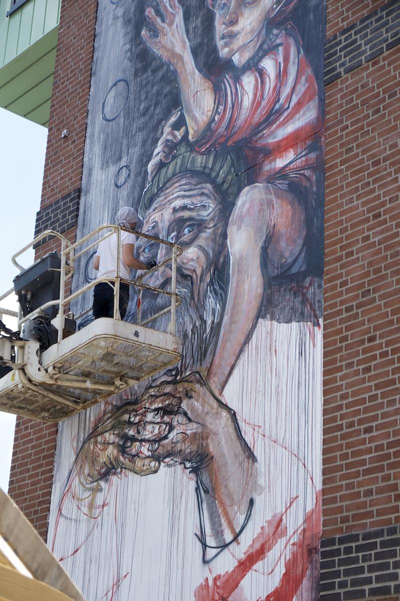 herakut-new-mural-in-sankt-pauli-13
