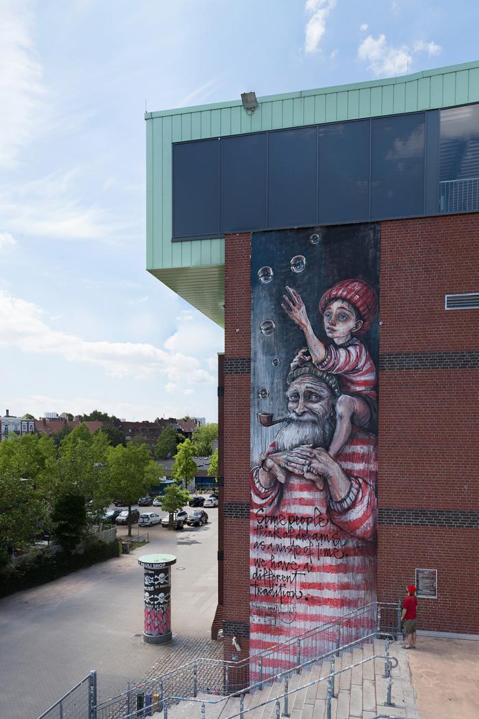 herakut-new-mural-in-sankt-pauli-19