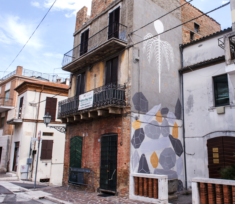 andreco-new-mural-in-mosciano-santangelo-01