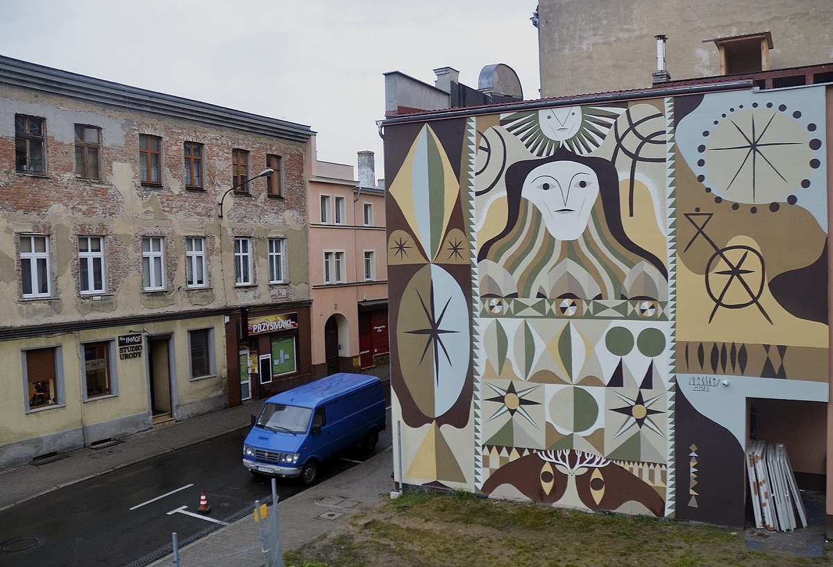 otecki-new-mural-in-jelenia-gora-poland-01