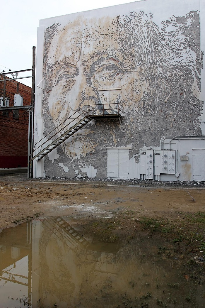 vhils-for-the-unexpected-street-art-festival-04
