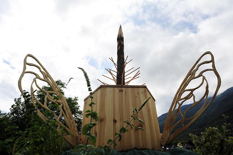 gola-hundun-new-installation-at-lago-di-revine-01