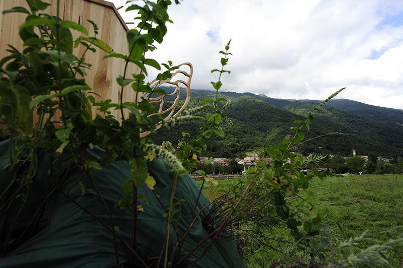 gola-hundun-new-installation-at-lago-di-revine-02