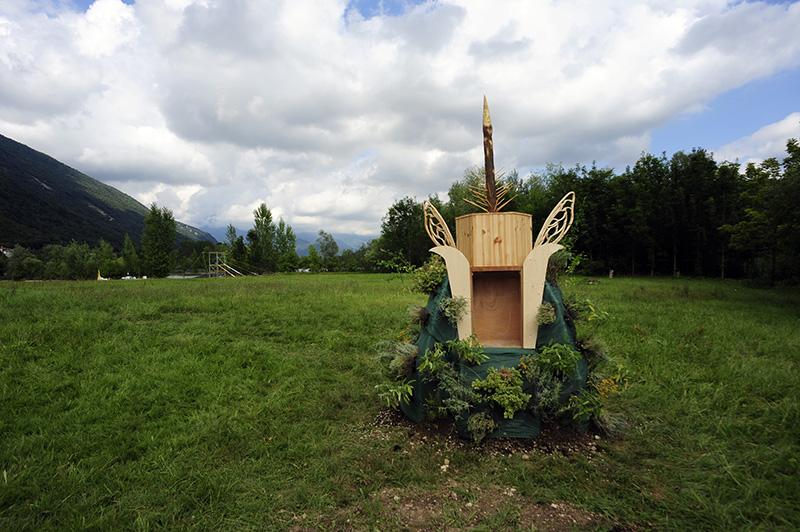 gola-hundun-new-installation-at-lago-di-revine-11