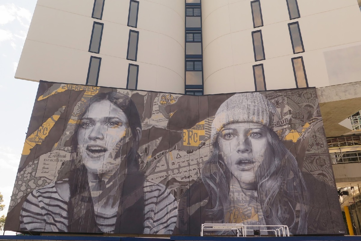 rone-edge-of-your-seat-new-mural-in-melbourne-02