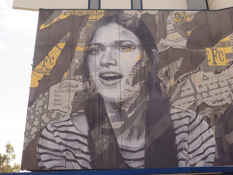 rone-edge-of-your-seat-new-mural-in-melbourne-03