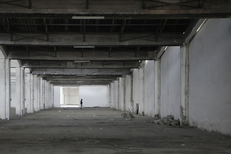 simek-inside-an-abandoned-factory-01