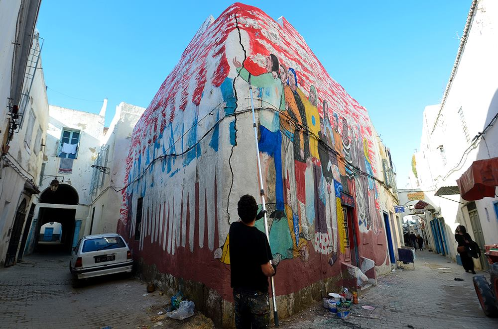 emajons-new-mural-in-medina-tunis-01