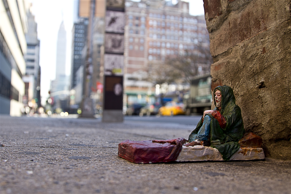 isaac-cordal-new-pieces-in-new-york-02