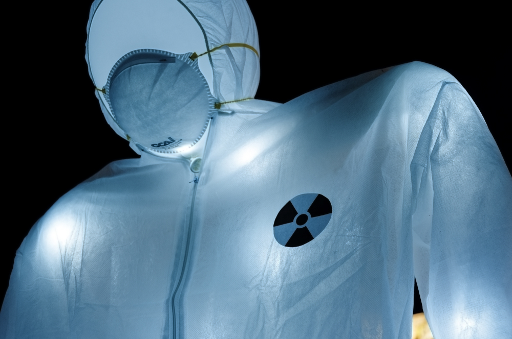 luzinterruptus-under-nuclear-threat-in-besancon-15