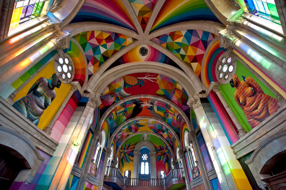 okuda-paints-a-100-year-old-church-in-spain-01