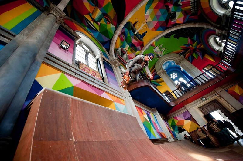 okuda-paints-a-100-year-old-church-in-spain-02