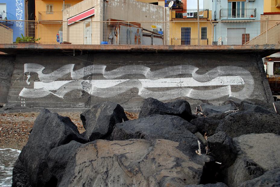 blaqk-new-mural-in-giardini-naxos-sicily-01