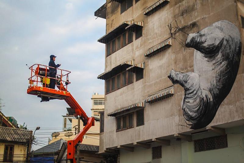 roa-new-mural-in-bangkok-01