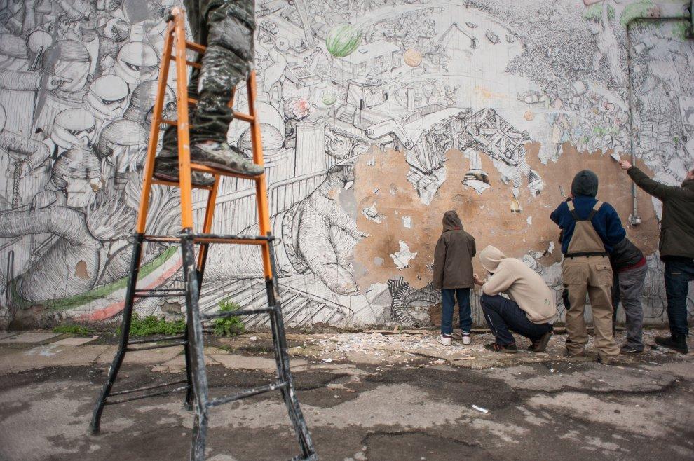 blu-has-buffed-his-murals-bologna-02