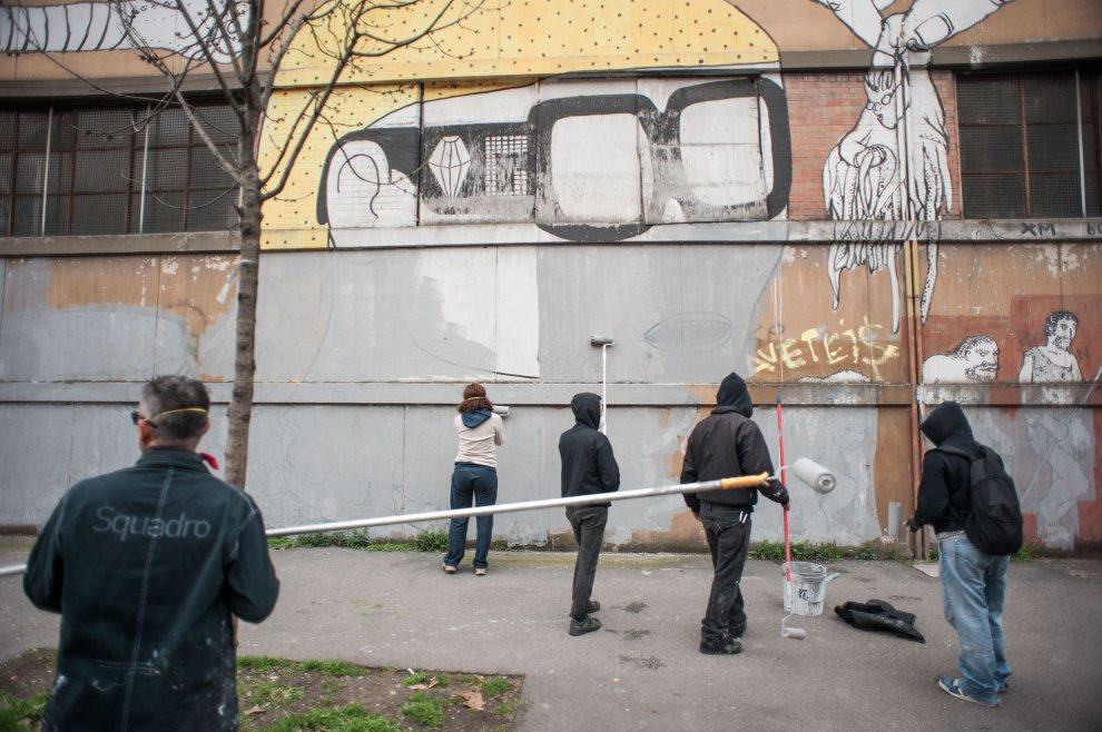 blu-has-buffed-his-murals-bologna-05