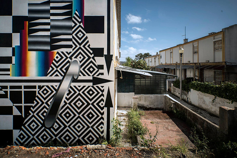 felipe-pantone-new-mural-lisboa-02