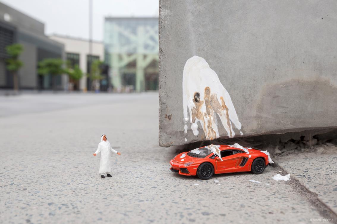 slinkachu-new-pieces-dubai-01