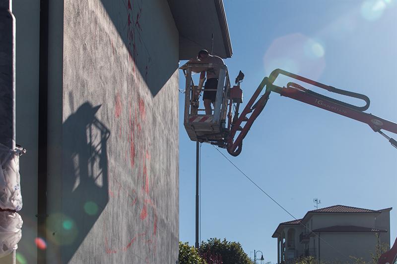 sebas-velasco-mesa-mural-lioni-01