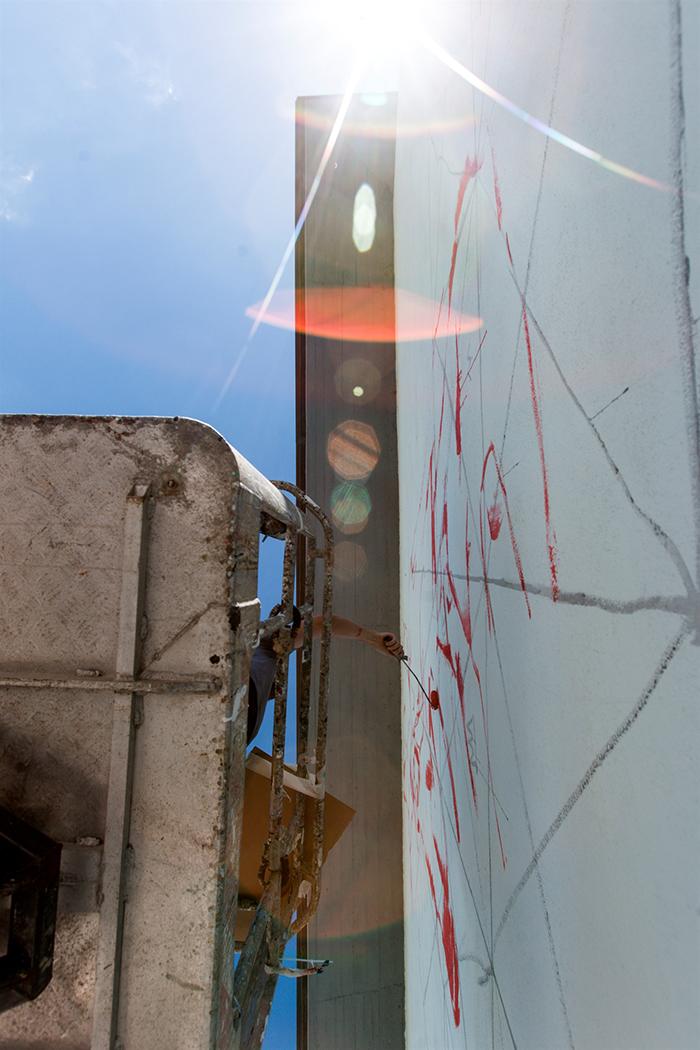sebas-velasco-mesa-mural-lioni-02