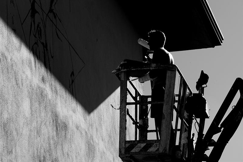 sebas-velasco-mesa-mural-lioni-03