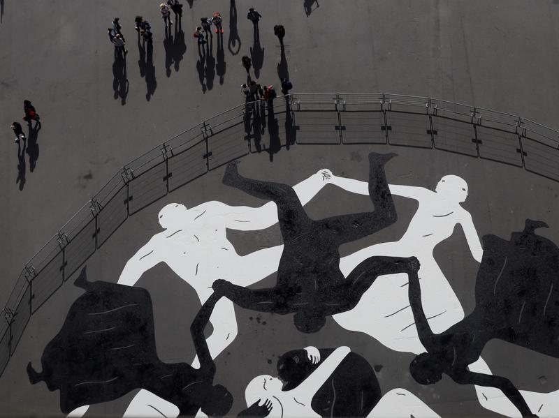 Cleon Peterson nuit-blanche-eiffel-tower-01
