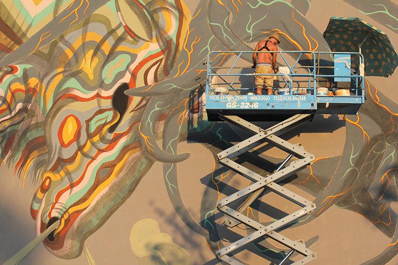 luca-zamoc-new-mural-novi-modena-05