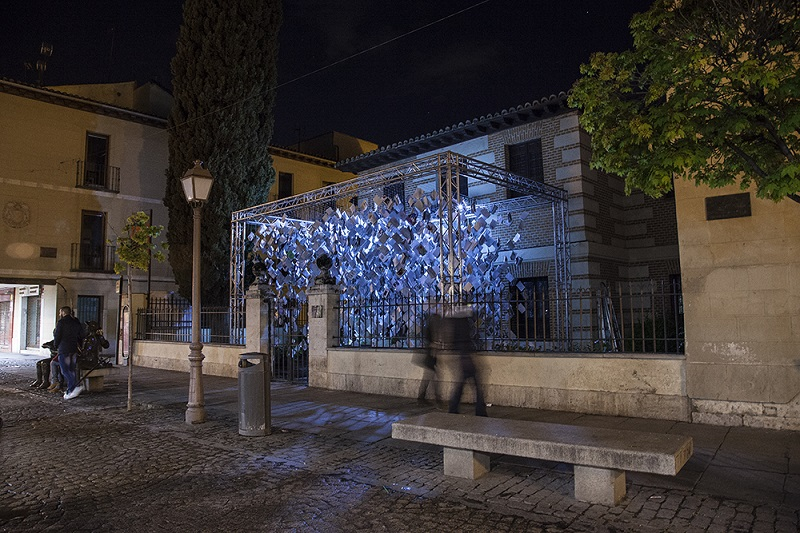 luzinterruptus-installation-alcala-de-henares-01