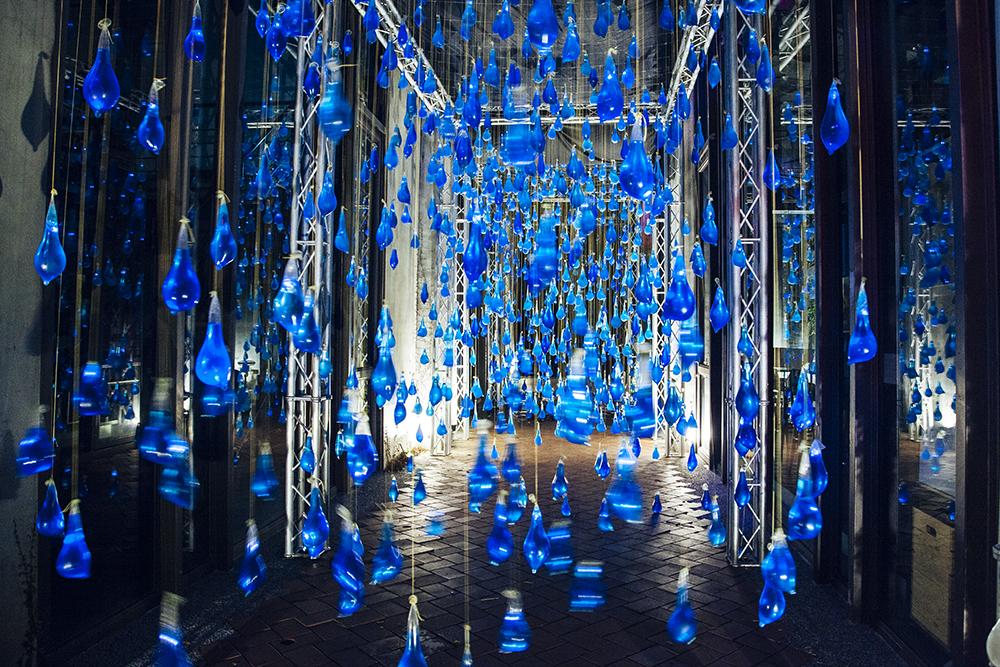 luzinterruptus-rain-interactive-installation-05