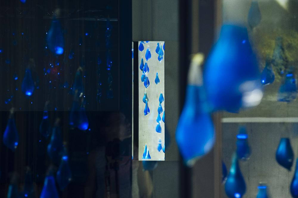 luzinterruptus-rain-interactive-installation-08