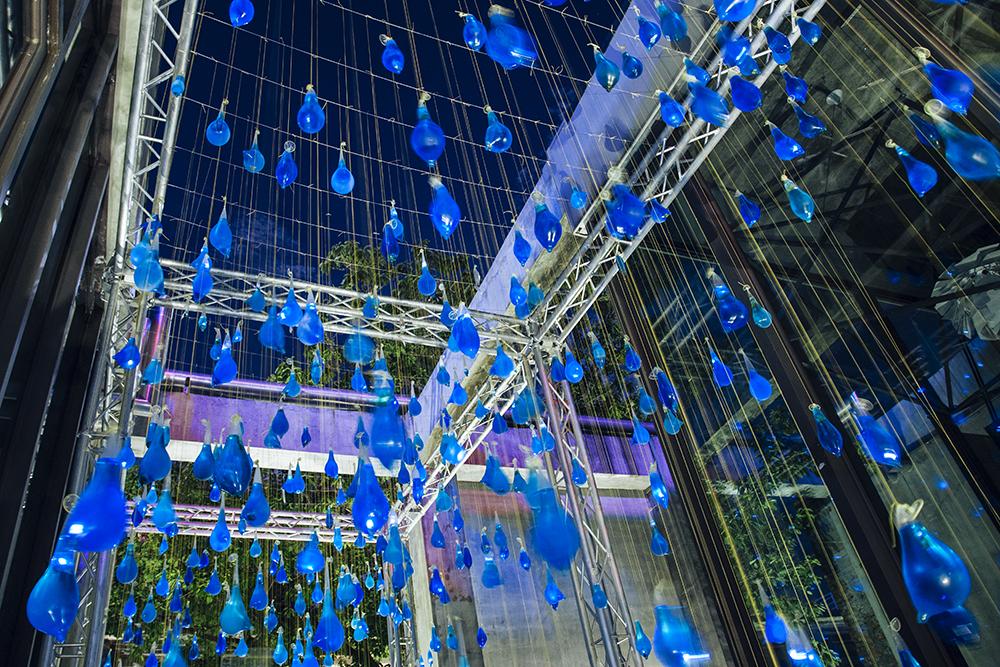luzinterruptus-rain-interactive-installation-12