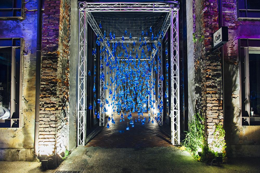 luzinterruptus-rain-interactive-installation-19