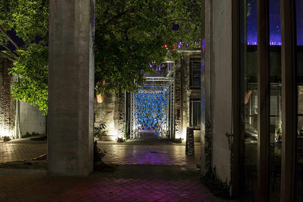 luzinterruptus-rain-interactive-installation-20