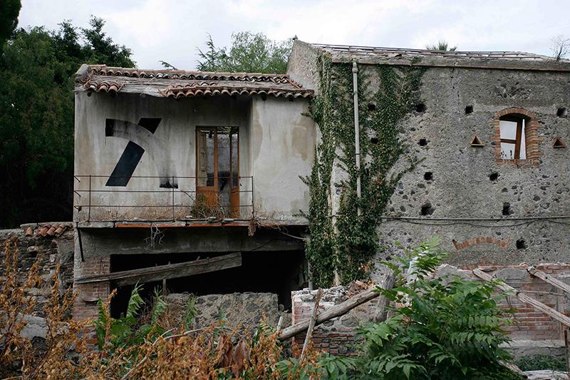 blaqk-giardini-naxos-sicily-01