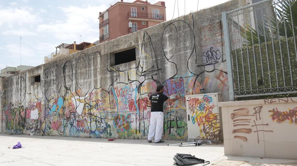 Gods in Love Raffaele Fiorella Street Art Barletta
