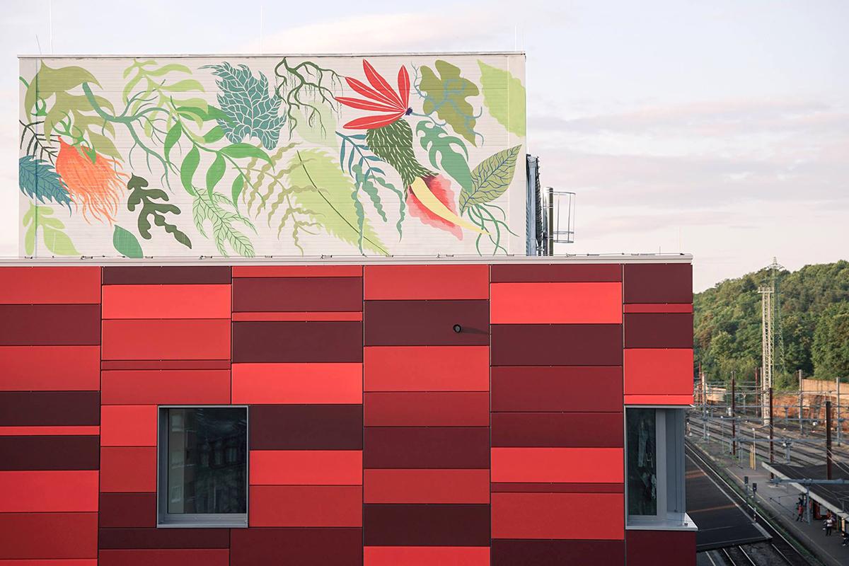 Gola Hundun Street Art Esch-sur-Alzette Luxembourg