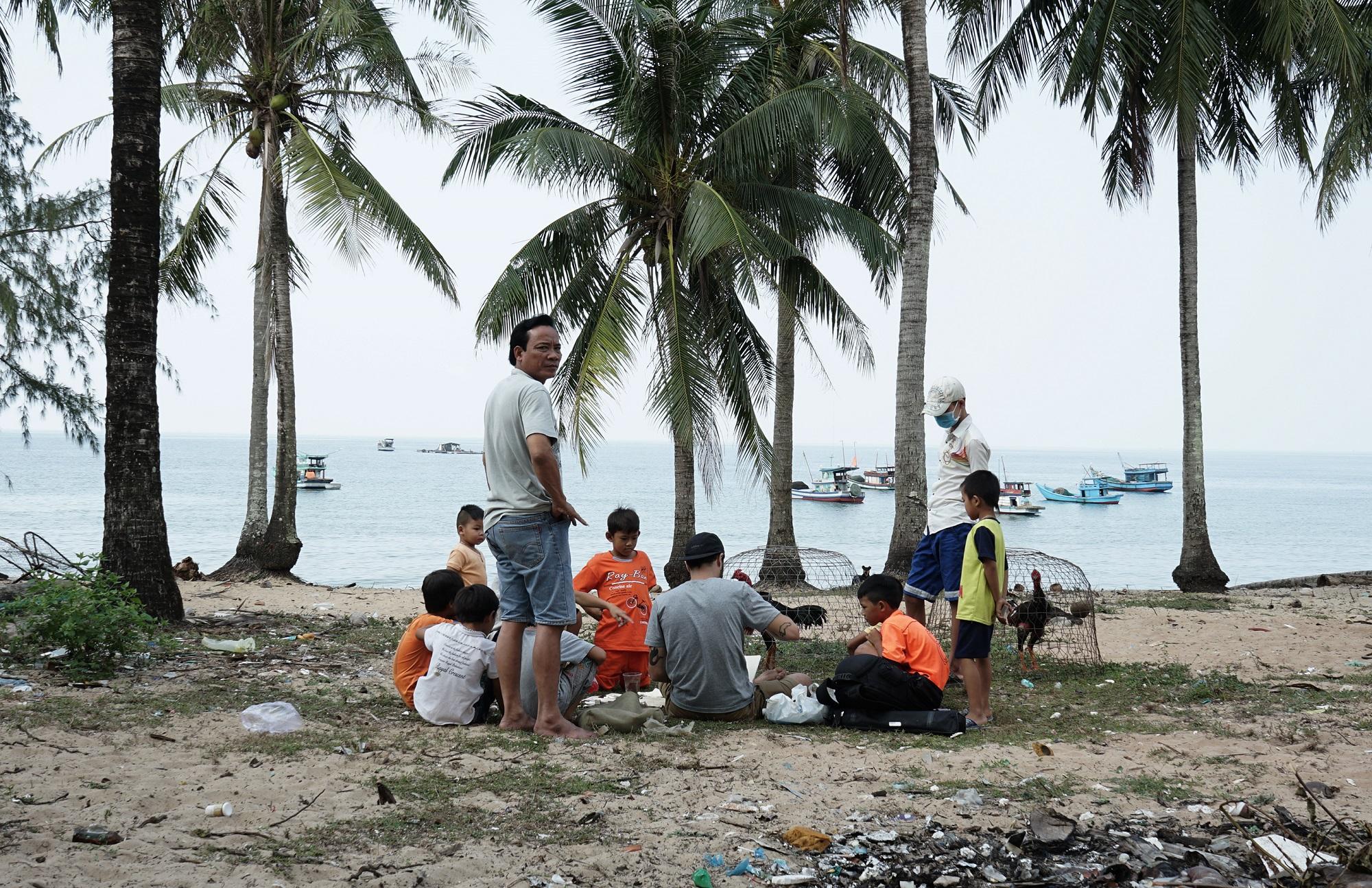 Tant Broken Fingaz Street Art Phu Quoc Island